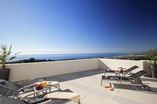 New luxury modern penthouse apartments to buy in Marbella, Costa del Sol 1