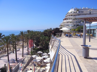 Second line beach apartment for sale in the centre of Marbella 3