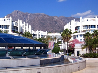Second line beach apartment for sale in the centre of Marbella 2