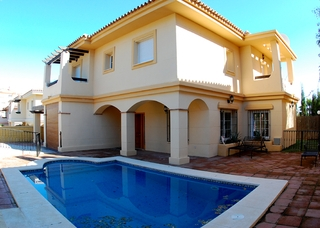 Bargain detached villa for sale in Mijas, Costa del Sol 0