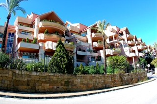 Garden apartment for sale in Nueva Andalucia, Marbella 10