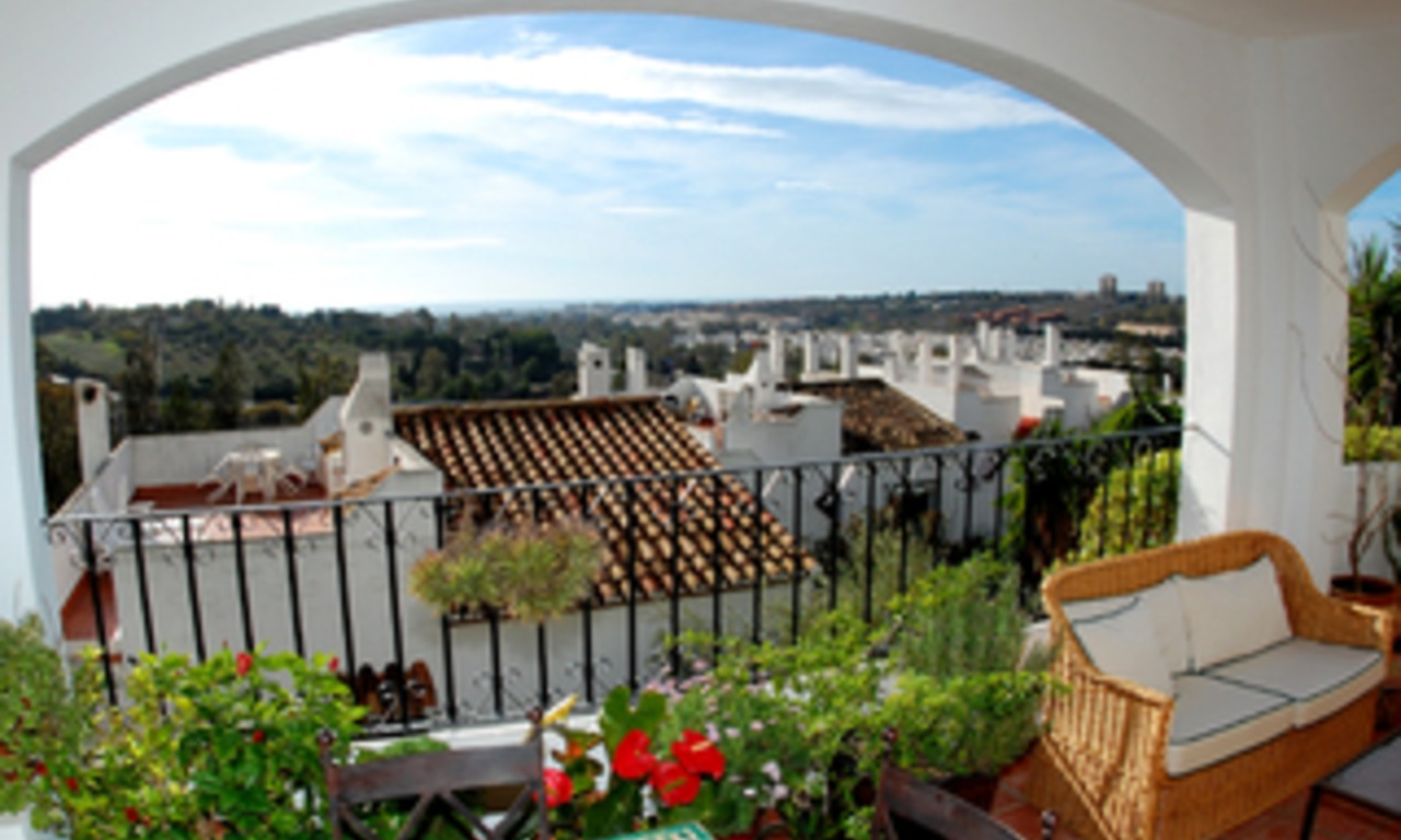 Penthouse apartment for sale in Nueva Andalucia - Marbella 0