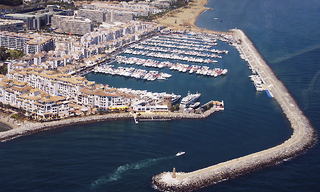 Marbella for Rent: Shop Commercial premises to let in Puerto Banus 0