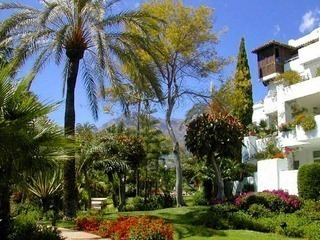 Apartment for sale in a beachfront complex on the Golden Mile at easy walking distance to Marbella centre 1