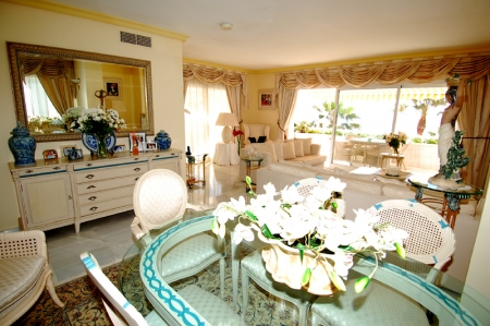 Spacious frontline beach penthouse for sale, New Golden Mile, between Marbella and Estepona. 13