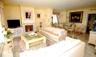 Spacious frontline beach penthouse for sale, New Golden Mile, between Marbella and Estepona. 12