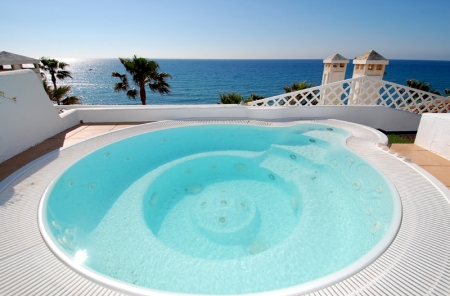 Spacious frontline beach penthouse for sale, New Golden Mile, between Marbella and Estepona. 10