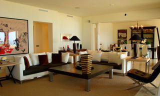 Exclusive beachfront penthouse for sale on the beach of Los Monteros in Marbella 3