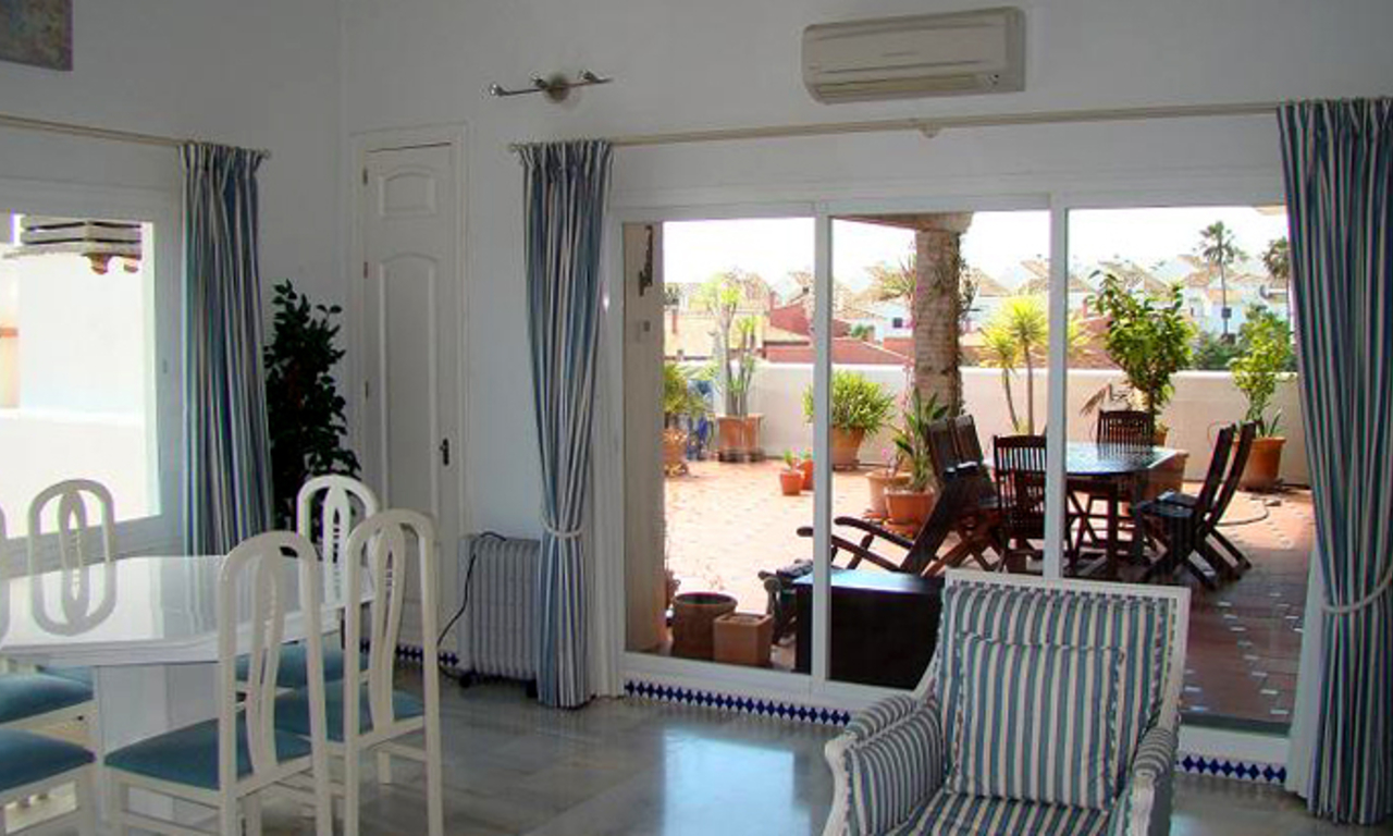 Beachfront penthouse apartment for sale in Estepona 6