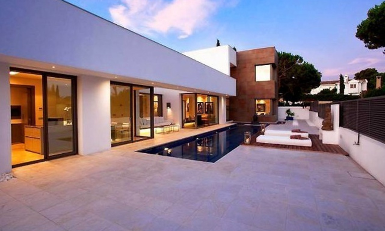 New Contemporary villa for sale on the Golden Mile in Marbella 0