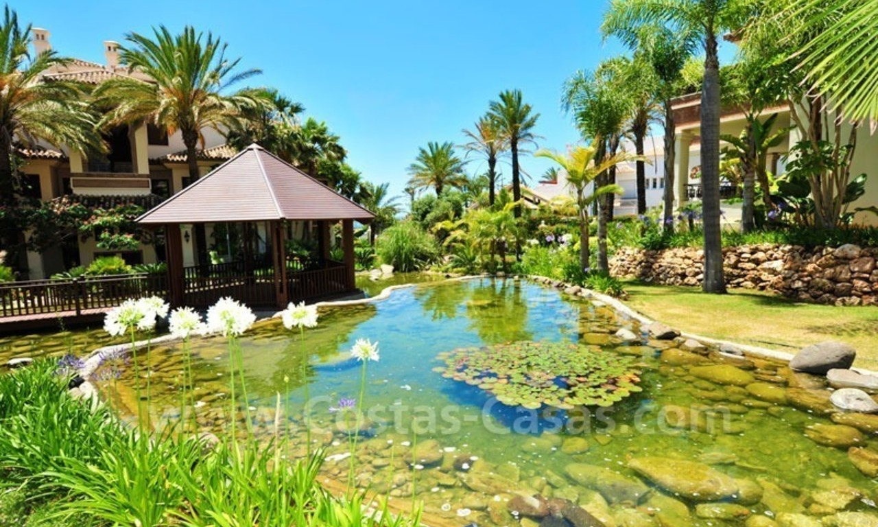 Exclusive beachfront penthouse for sale on the beach of Los Monteros in Marbella 5