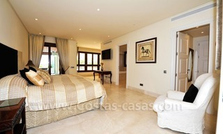 Beachfront apartment for sale in Los Monteros Playa, Marbella 19