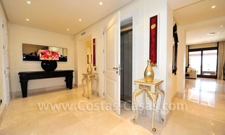 Beachfront apartment for sale in Los Monteros Playa, Marbella 15