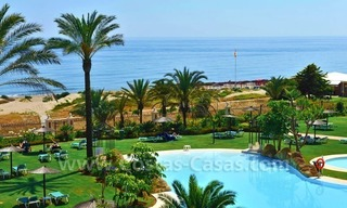 Beachfront apartment for sale in Los Monteros Playa, Marbella 10
