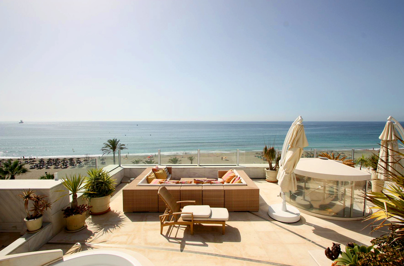 Frontline beach luxury penthouse for sale in Puerto Banus - Marbella