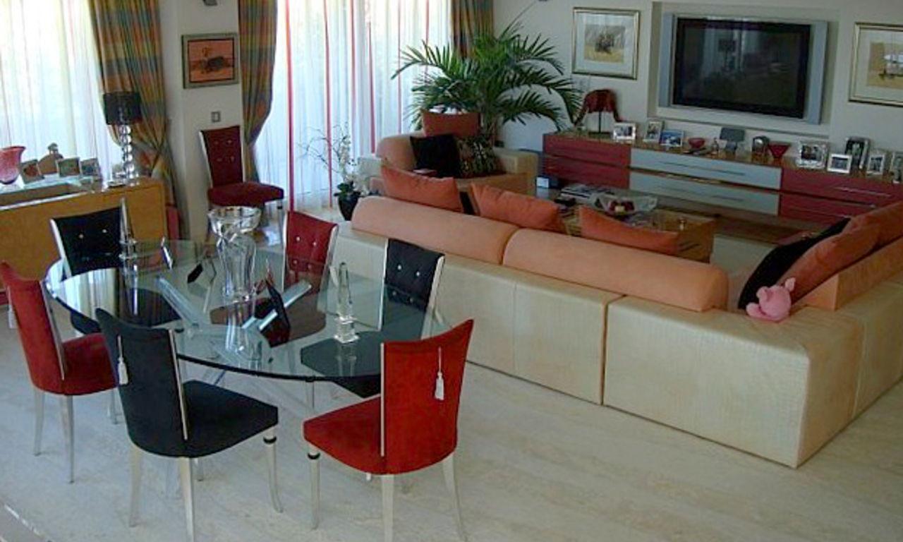 Frontline beach luxury penthouse for sale in Puerto Banus - Marbella 9
