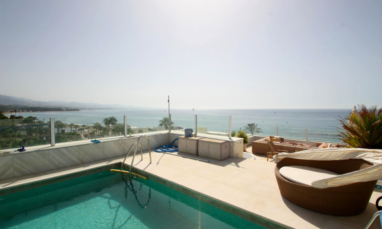 Frontline beach luxury penthouse for sale in Puerto Banus - Marbella 2