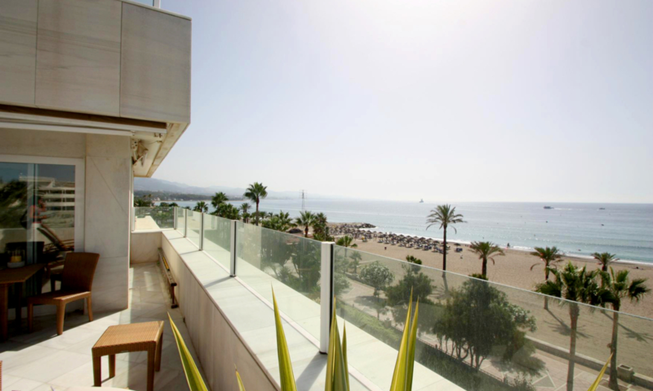 Frontline beach luxury penthouse for sale in Puerto Banus - Marbella 5