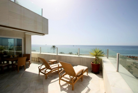 Frontline beach luxury penthouse for sale in Puerto Banus - Marbella 6