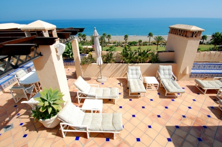 Frontline beach penthouse for sale - New Golden Mile between Puerto Banus (Marbella) and the centre of Estepona 2