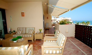 Frontline beach penthouse for sale - New Golden Mile between Puerto Banus (Marbella) and the centre of Estepona 8