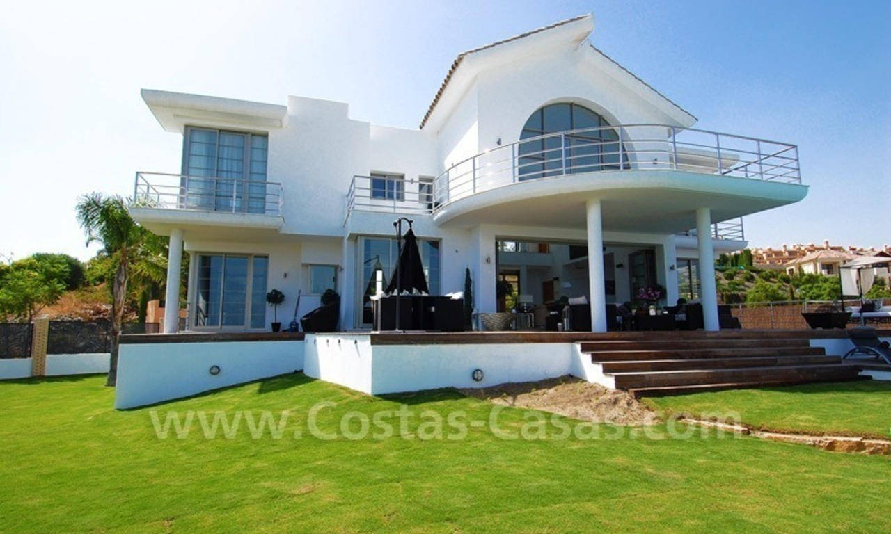 Distressed sale - Modern style villa for sale in a gated golf resort between Marbella, Benahavis and Estepona 3