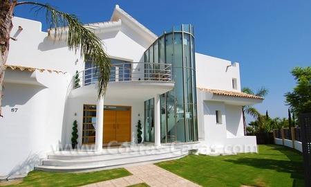 Distressed sale - Modern style villa for sale in a gated golf resort between Marbella, Benahavis and Estepona 5