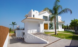 Distressed sale - Modern style villa for sale in a gated golf resort between Marbella, Benahavis and Estepona 4