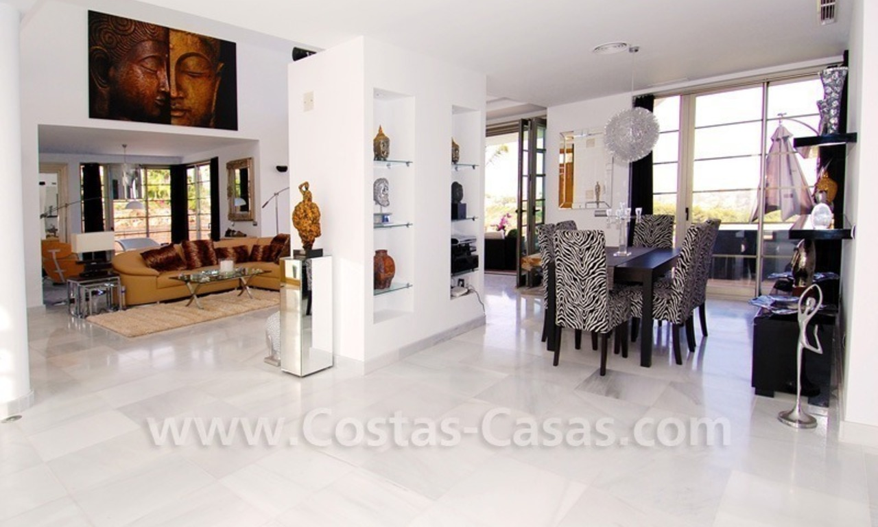 Distressed sale - Modern style villa for sale in a gated golf resort between Marbella, Benahavis and Estepona 17
