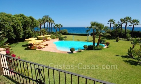 Frontline beach villa for sale, Marbella - Estepona