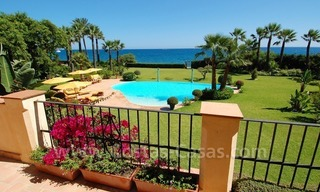 Frontline beach villa for sale, Marbella - Estepona 1