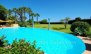 Frontline beach villa for sale, Marbella - Estepona 2
