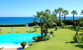 Frontline beach villa for sale, Marbella - Estepona 3