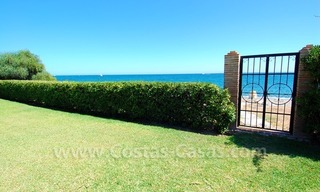 Frontline beach villa for sale, Marbella - Estepona 4