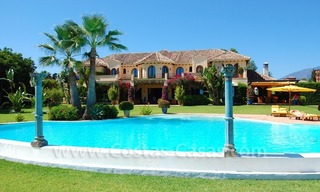 Frontline beach villa for sale, Marbella - Estepona 8
