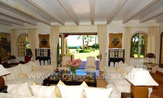 Frontline beach villa for sale, Marbella - Estepona 14