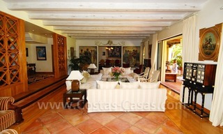 Frontline beach villa for sale, Marbella - Estepona 15