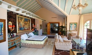 Frontline beach villa for sale, Marbella - Estepona 22