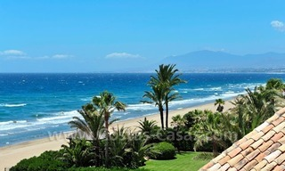 Exclusive beachfront penthouse apartment for sale frontline beach of Los Monteros in Marbella 3