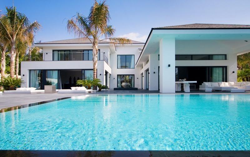 Marbella villa for sale modern beachside villa los - Casas de lujo en marbella ...