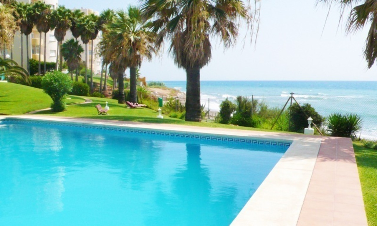 Frontline beach apartment for sale in Mijas, Costa del Sol 3