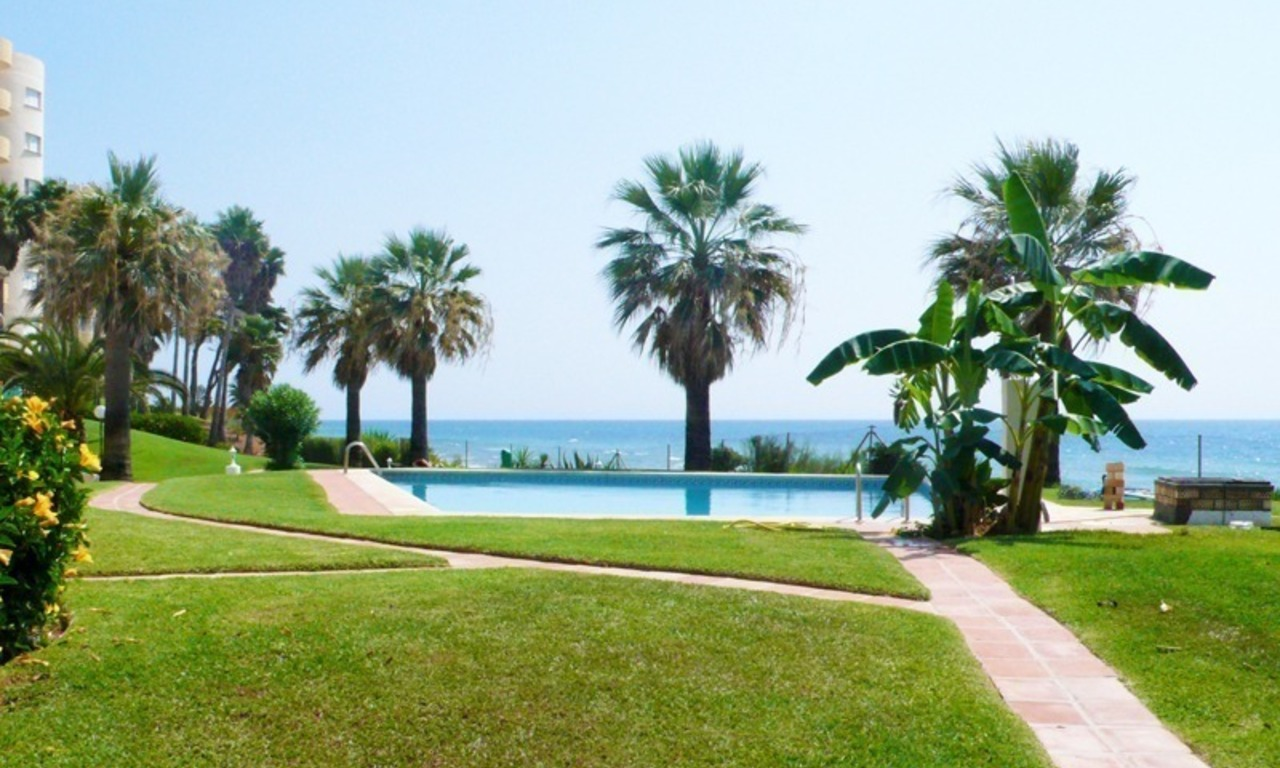 Frontline beach apartment for sale in Mijas, Costa del Sol 2