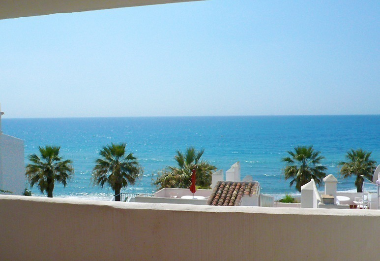Frontline beach apartment for sale in Mijas, Costa del Sol