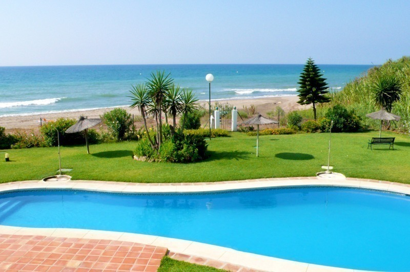 Beachfront apartment for sale, Mijas, Costa del Sol, Spain