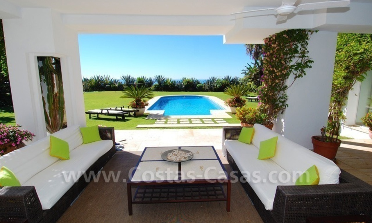 Exclusive frontline beach villa for sale, Marbella - Estepona 10
