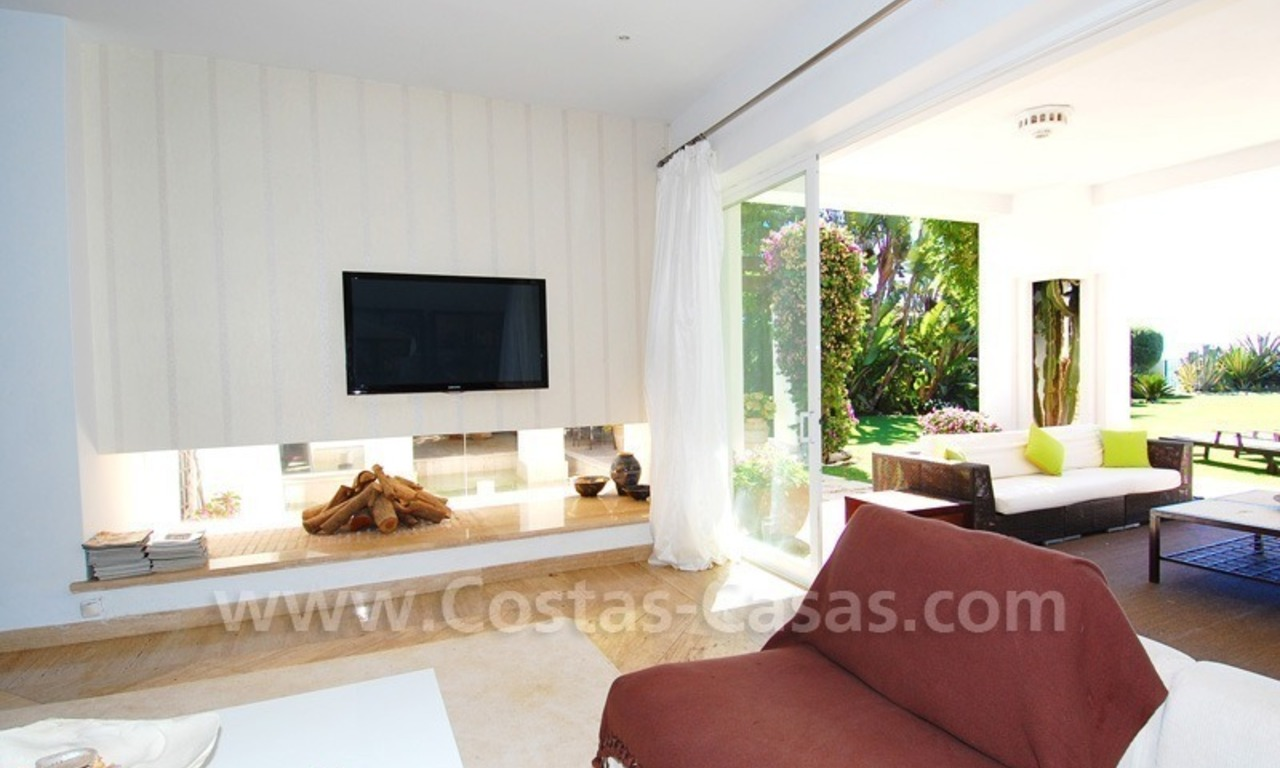 Exclusive frontline beach villa for sale, Marbella - Estepona 11