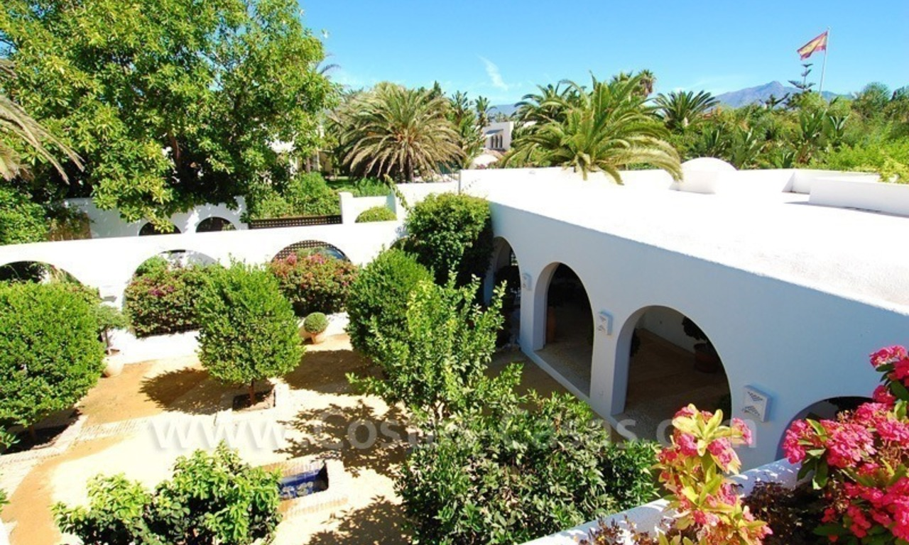 Exclusive frontline beach villa for sale, Marbella - Estepona 25