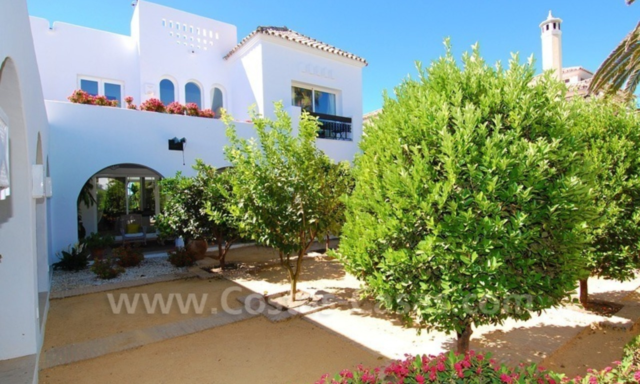 Exclusive frontline beach villa for sale, Marbella - Estepona 26