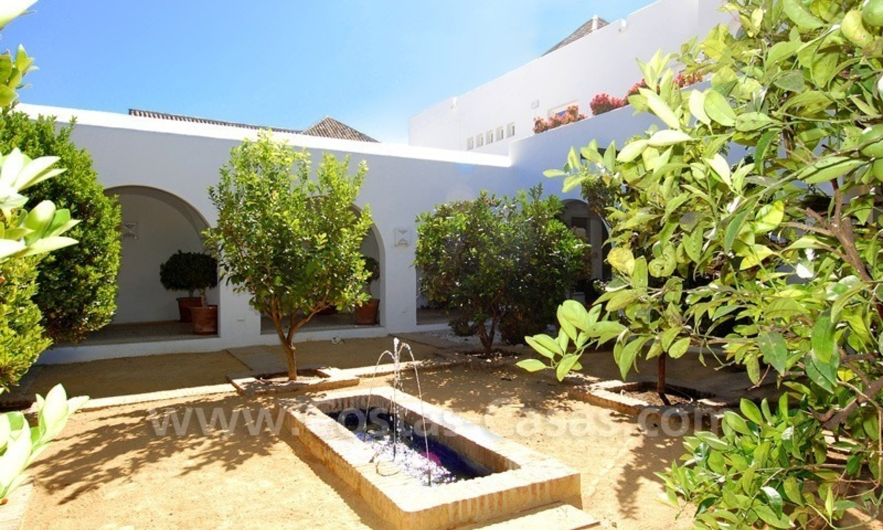 Exclusive frontline beach villa for sale, Marbella - Estepona 27