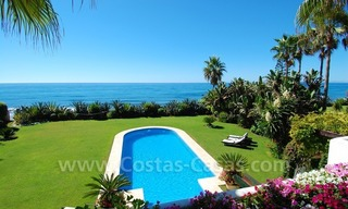 Exclusive frontline beach villa for sale, Marbella - Estepona 24